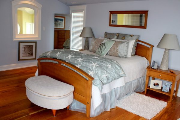bedroom decorating ideas and designs Remodels Photos Beach Dwellings Avalon New Jersey United States beach-style-bedroom-006