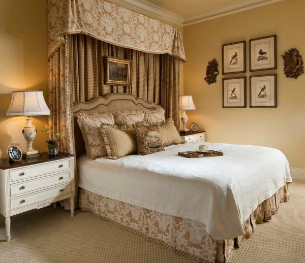 bedroom decorating ideas and designs Remodels Photos Chambers Interiors & Associates, Inc.Dallas Texas united states traditional-bedroom-005