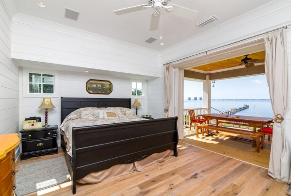 bedroom decorating ideas and designs Remodels Photos Dalrymple Sallis Architecture Pensacola Florida United States beach-style-bedroom-004
