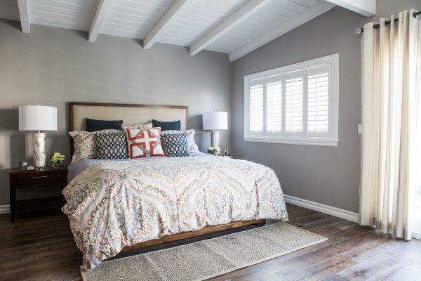 bedroom decorating ideas and designs Remodels Photos Dannielle Albrecht Designs Los Angeles California United States beach-style-bedroom