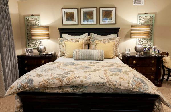 bedroom decorating ideas and designs Remodels Photos Denise Morrison Interiors Santa Ana California united states traditional-bedroom-001