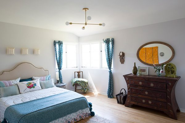 bedroom decorating ideas and designs Remodels Photos Design Vidal Los Angeles California United States eclectic