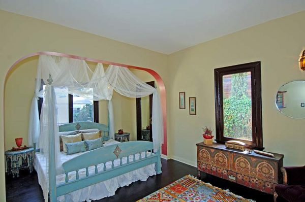 bedroom decorating ideas and designs Remodels Photos Design Vidal Los Angeles California United States eclectic-bedroom-001