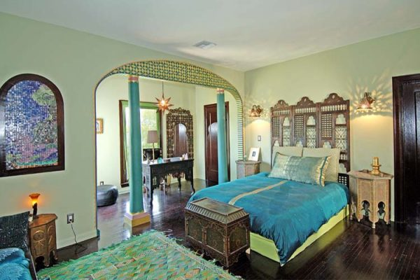 bedroom decorating ideas and designs Remodels Photos Design Vidal Los Angeles California United States eclectic-bedroom