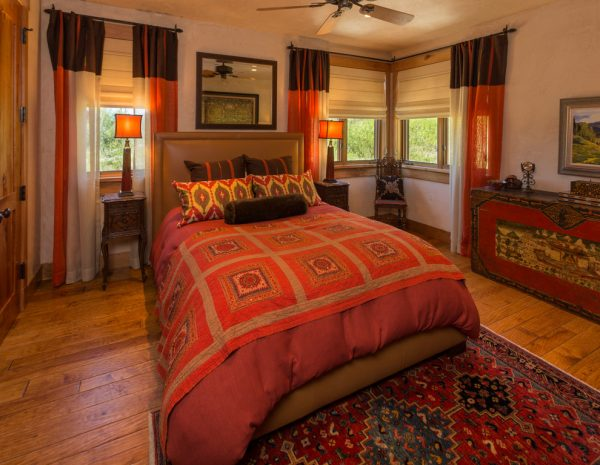 bedroom decorating ideas and designs Remodels Photos Finial Design Steamboat Springs Colorado United States traditional-bedroom-003