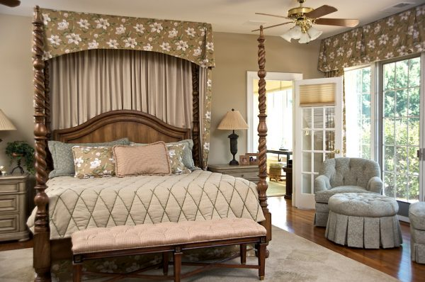 bedroom decorating ideas and designs Remodels Photos Gina Fitzsimmons ASID AnnapolisMaryland United States traditional-bedroom-005