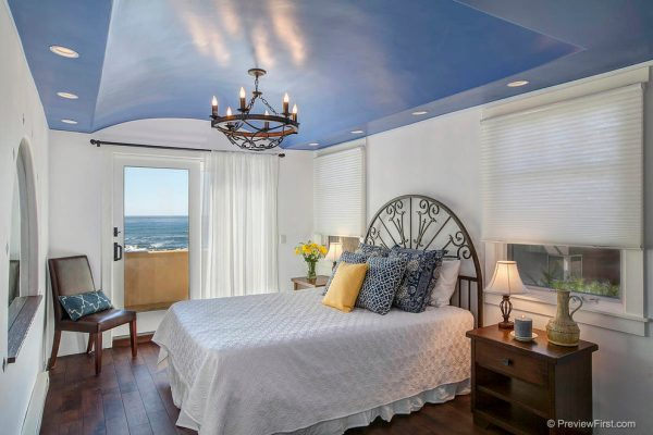 bedroom decorating ideas and designs Remodels Photos Hamilton-Gray Design, Inc. Carlsbad California United Statesmediterranean-bedroom-002