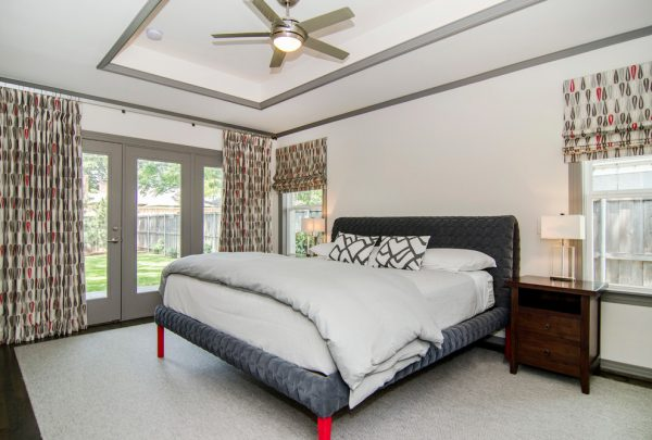 bedroom decorating ideas and designs Remodels Photos Hatfield Builders & Remodelers Plano Texas United States modern-bedroom