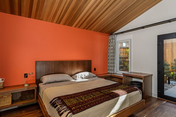bedroom decorating ideas and designs Remodels Photos Hudson Street Design Healdsburg California United States midcentury-bedroom-002