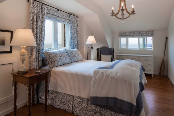 bedroom decorating ideas and designs Remodels Photos Hyde Evans Design Seattle Washington united states beach-style-bedroom