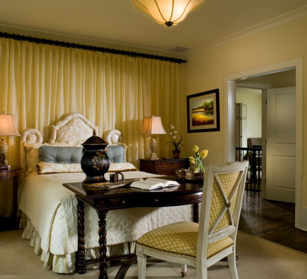 bedroom decorating ideas and designs Remodels Photos J. Hirsch Interior Design, LLC Berkeley Lake Georgia United States home-design-002