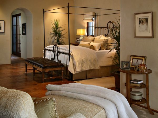 bedroom decorating ideas and designs Remodels Photos Janet Brooks Design Scottsdale  Arizona united states transitional-bedroom