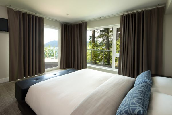 bedroom decorating ideas and designs Remodels Photos Kelly Deck Design Vancouver British Columbia, Canada contemporary-bedroom