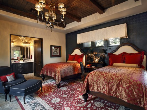 bedroom decorating ideas and designs Remodels Photos Linda Seeger Interior Design Scottsdale Arizona united states traditional-bedroom