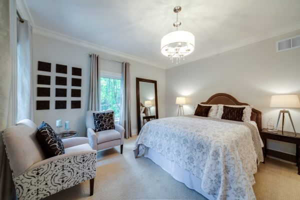 bedroom decorating ideas and designs Remodels Photos Lionsgate Design Mississauga Ontario, Canada contemporary-bedroom-001