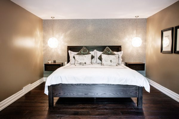 bedroom decorating ideas and designs Remodels Photos Madison Taylor Barrie Ontario, Canada contemporary-bedroom-002