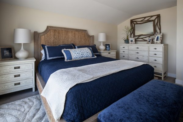 bedroom decorating ideas and designs Remodels Photos Maraya Interior Design Ojai California united states beach-style-bedroom-001
