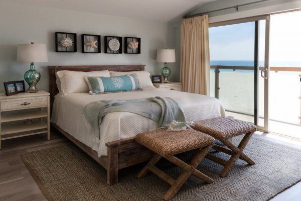 bedroom decorating ideas and designs Remodels Photos Maraya Interior Design Ojai California united states beach-style-bedroom-003