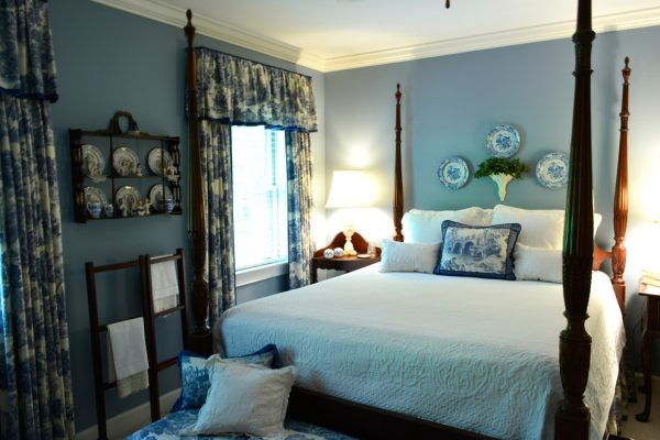 bedroom decorating ideas and designs Remodels Photos Meriwether Design Group Marietta Georgia United States traditional-bedroom-001