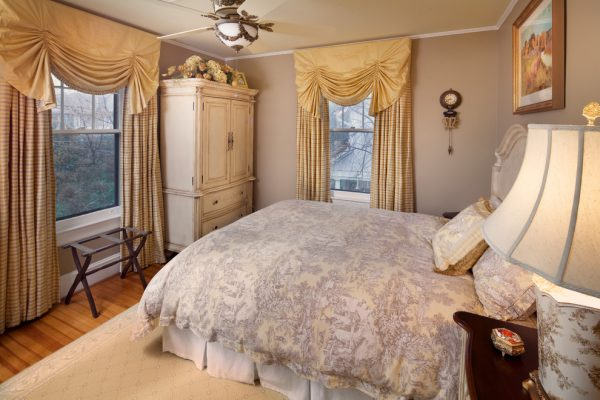 bedroom decorating ideas and designs Remodels Photos StoryBook Rooms, LLC McLean Virginia united states traditional-bedroom-001