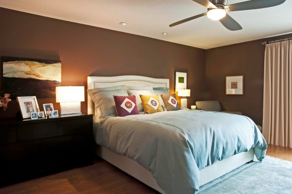 bedroom decorating ideas and designs Remodels Photos Susan Corry Design Sherman Oaks California United States contemporary-bedroom-004