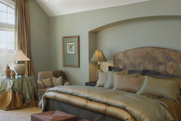 bedroom decorating ideas and designs Remodels Photos Tina Barclay Lake Oswego Oregon United States traditional-bedroom-004
