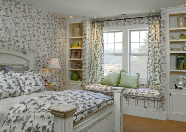 bedroom decorating ideas and designs Remodels Photos Tina Barclay Lake Oswego Oregon United States traditional-bedroom-006