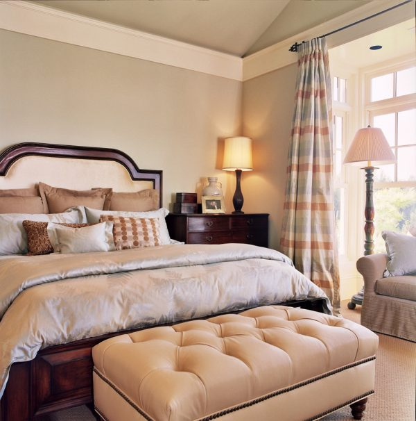 bedroom decorating ideas and designs Remodels Photos Tina Barclay Lake Oswego Oregon United States traditional-bedroom