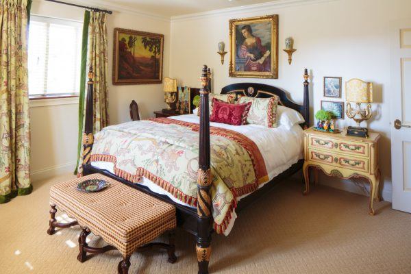 bedroom decorating ideas and designs Remodels Photos Todd Richesin Knoxville Tennessee United States traditional-bedroom-002