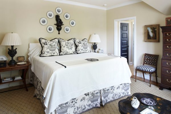 bedroom decorating ideas and designs Remodels Photos Todd Richesin Knoxville Tennessee United States traditional-bedroom-004