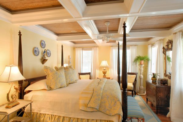 bedroom decorating ideas and designs Remodels Photos Todd Richesin Knoxville Tennessee United States traditional-bedroom-005