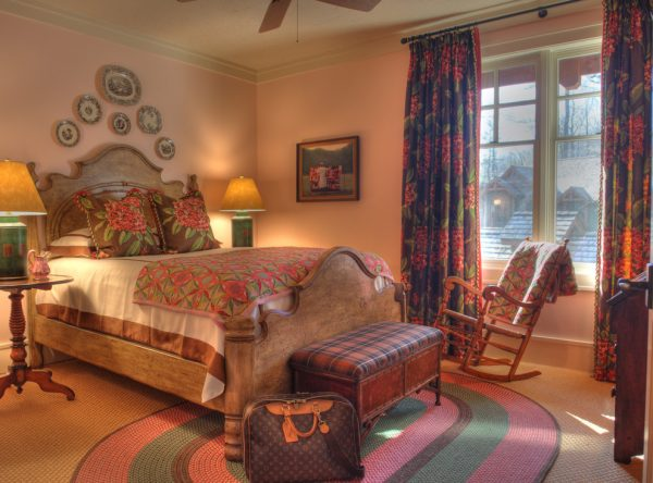 bedroom decorating ideas and designs Remodels Photos Todd Richesin Knoxville Tennessee United States traditional-bedroom-007