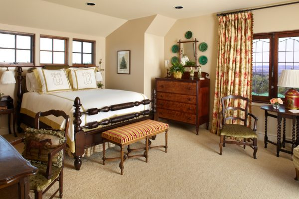 bedroom decorating ideas and designs Remodels Photos Todd Richesin Knoxville Tennessee United States traditional-bedroom-011