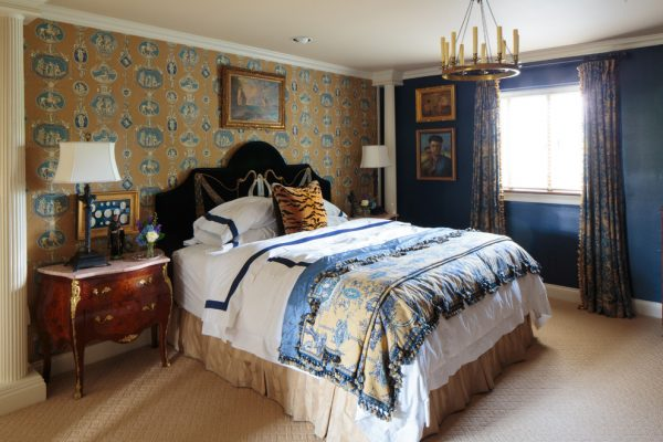 bedroom decorating ideas and designs Remodels Photos Todd Richesin Knoxville Tennessee United States traditional-bedroom-018