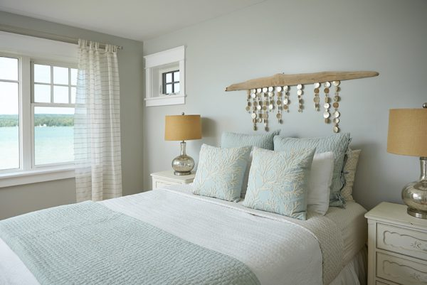 bedroom decorating ideas and designs Remodels Photos Villa Décor East Grand Rapids Michigan united states beach-style-bedroom-003