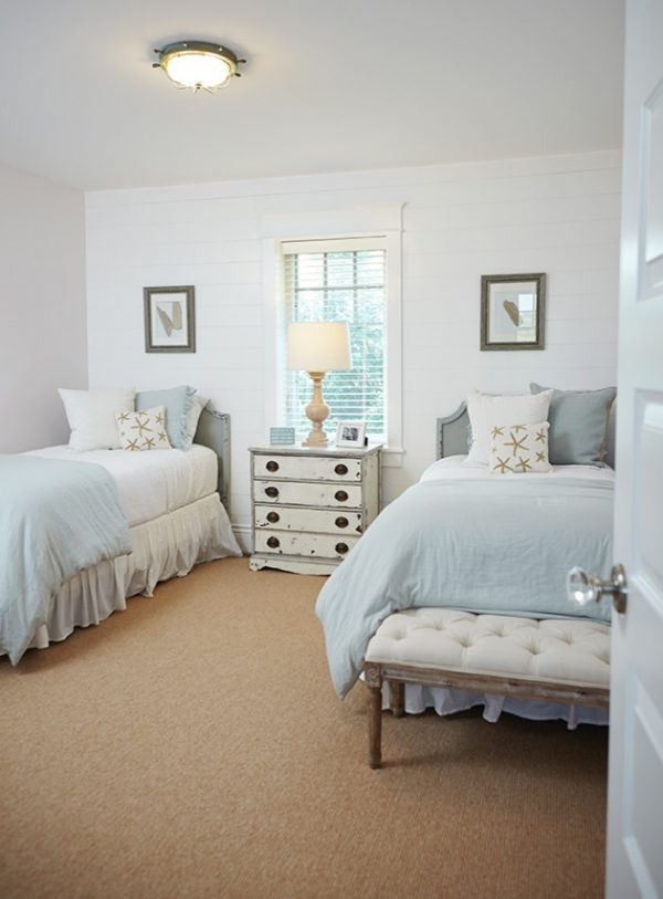 bedroom decorating ideas and designs Remodels Photos Villa Décor East Grand Rapids Michigan united states beach-style-bedroom-004
