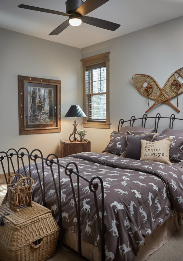 bedroom decorating ideas and designs Remodels Photos Villa Décor East Grand Rapids Michigan united states rustic-bedroom