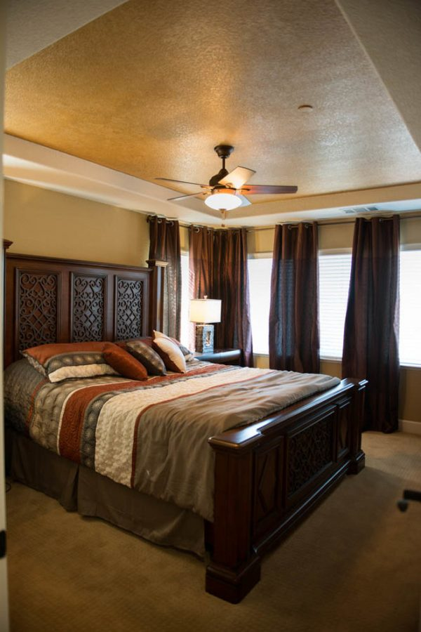 bedroom decorating ideas and designs Remodels PhotosTal Goldstein Sunnyvale California United States contemporary-bedroom