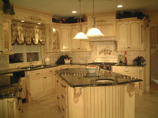 kitchen decorating ideas and designs Remodels Photos AMI Designs Huntington New York United States traditional-kitchen