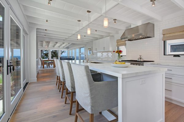 kitchen decorating ideas and designs Remodels Photos Anders Lasater Architects Laguna BeachCalifornia United States beach-style-kitchen