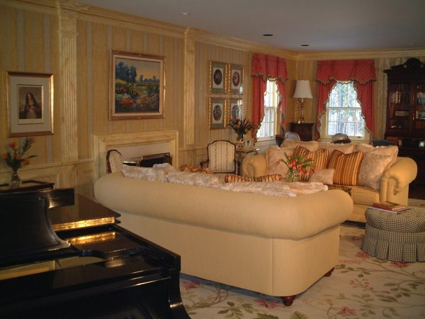 living room decorating ideas and designs Remodels Photos AMI Designs Huntington New York United States traditional-living-room-001