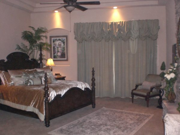bedroom decorating ideas and designs Remodels Photos Affordable Chic Scottsdale Arizona United States traditional-window-treatments