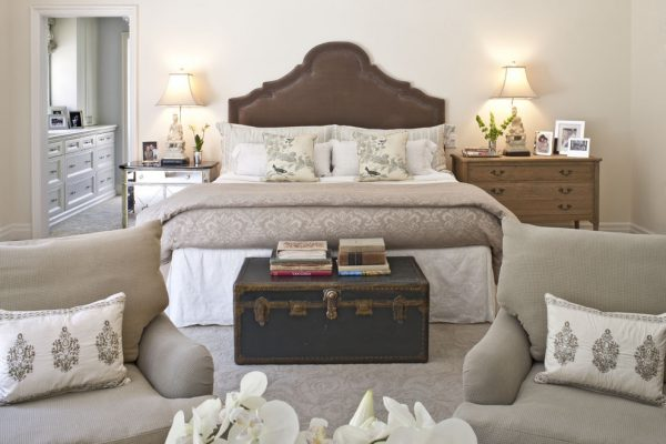 bedroom decorating ideas and designs Remodels Photos Dayna Katlin Interiors Encino California United States traditional-bedroom