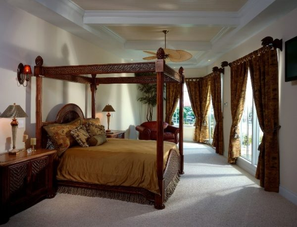 bedroom decorating ideas and designs Remodels Photos Decker Ross Interiors Clearwater Florida United States tropical-bedroom-001