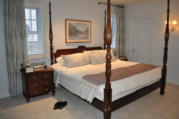 bedroom decorating ideas and designs Remodels Photos Deepdale House LLC Locust Valley New York United States traditional-bedroom-002
