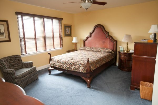 bedroom decorating ideas and designs Remodels Photos Designer's Choice Interiors Plymouth Michigan United States traditional-bedroom-002