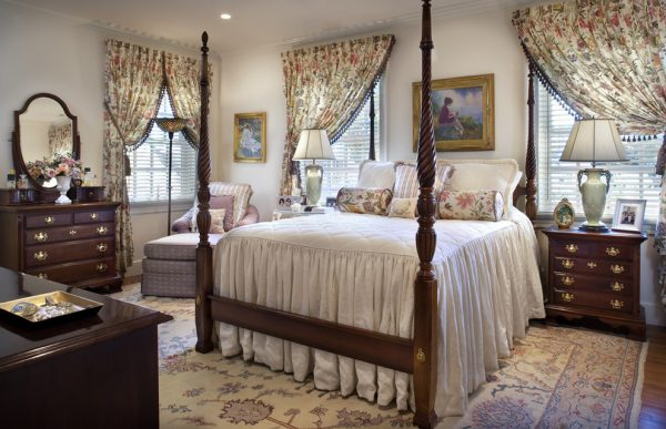 bedroom decorating ideas and designs Remodels Photos Diane Burgoyne Interiors Medford New Jersey United States traditional-bedroom-001