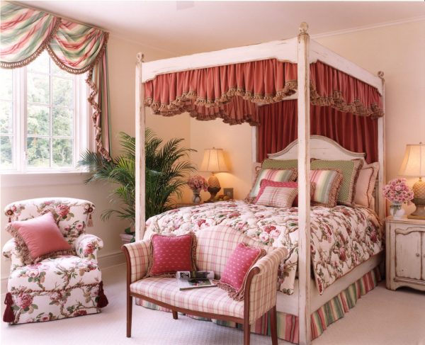 bedroom decorating ideas and designs Remodels Photos Directions In Design, Inc. Louis Missouri United States traditional-bedroom-005