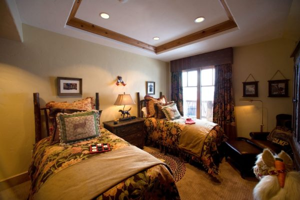 bedroom decorating ideas and designs Remodels Photos Djuna Design Studio Colorado Denver United States rustic-bedroom