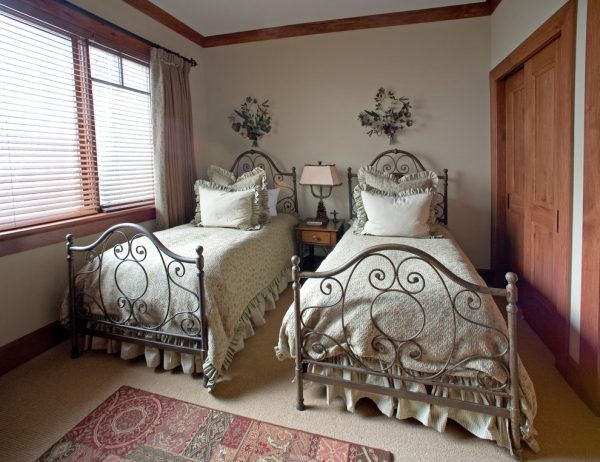 bedroom decorating ideas and designs Remodels Photos Djuna Design Studio Colorado Denver United States transitional-bedroom